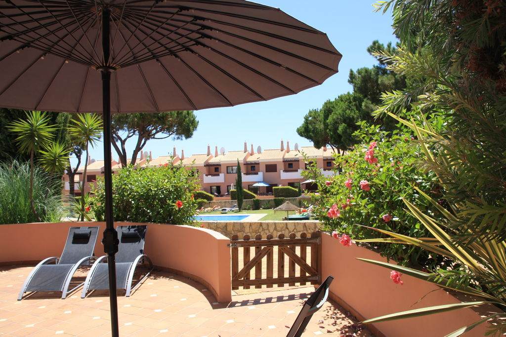 Quarteira- Appartement met zwembad nabij Strand met wifi te huur