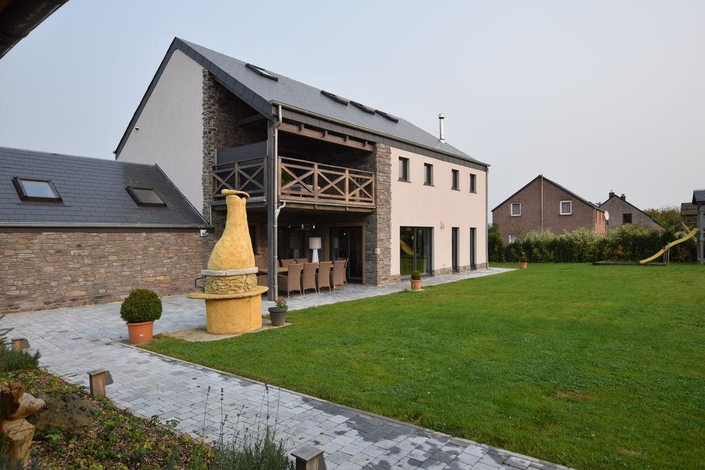 Luxe villa in Durbuy met jacuzzi en sauna - Boerderijvakanties.nl