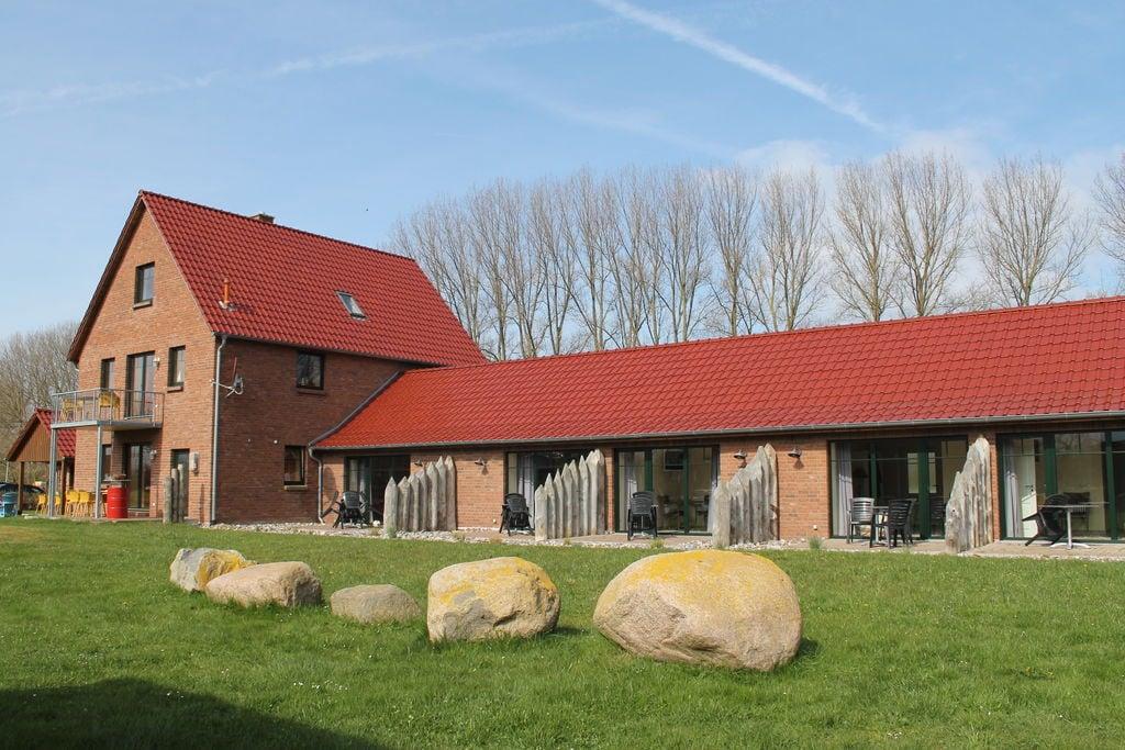 Comfortabele hotelkamer aan de Oostzeekust met terras - Boerderijvakanties.nl