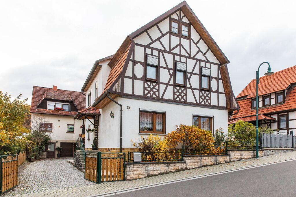 Vakantiehuis in Thüringen met eigen terras, gebruik van de tuin en zwembad - Boerderijvakanties.nl