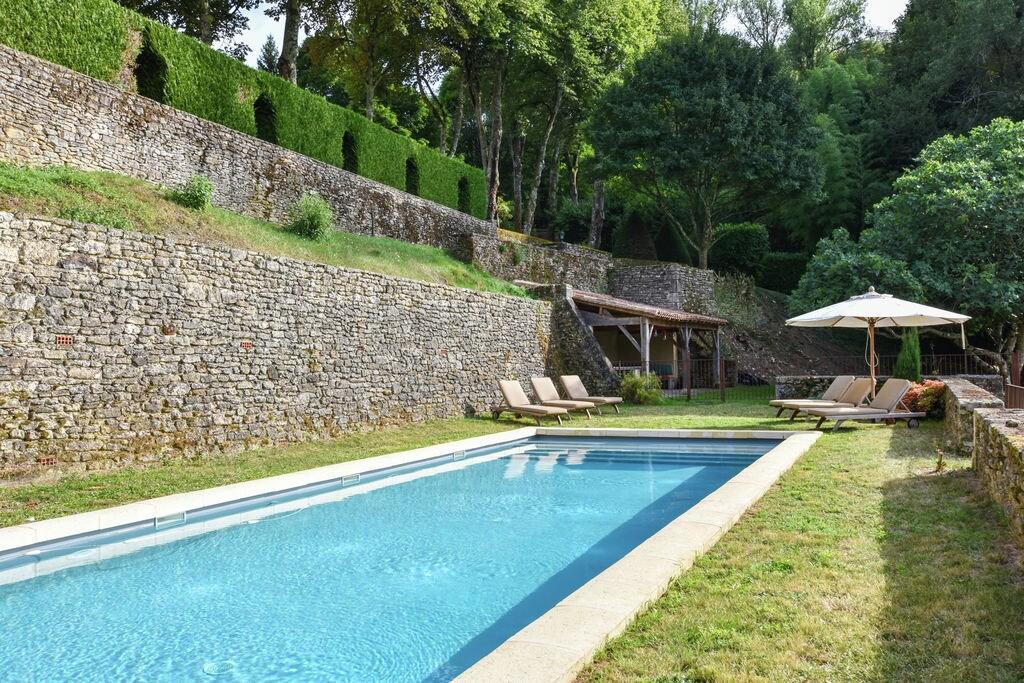 Prachtig landhuis met privézwembad en fantastisch uitzicht - Boerderijvakanties.nl