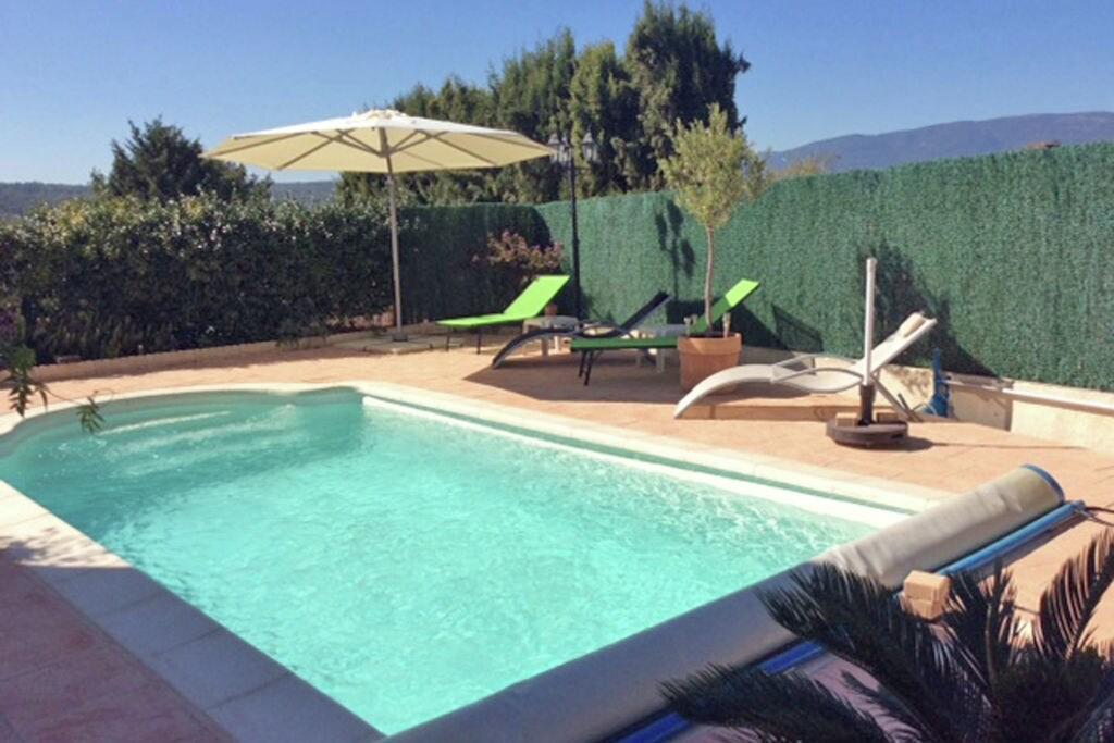 Vrijstaand vakantiehuis met privézwembad op 2 km van het pittoreske Montauroux - Boerderijvakanties.nl