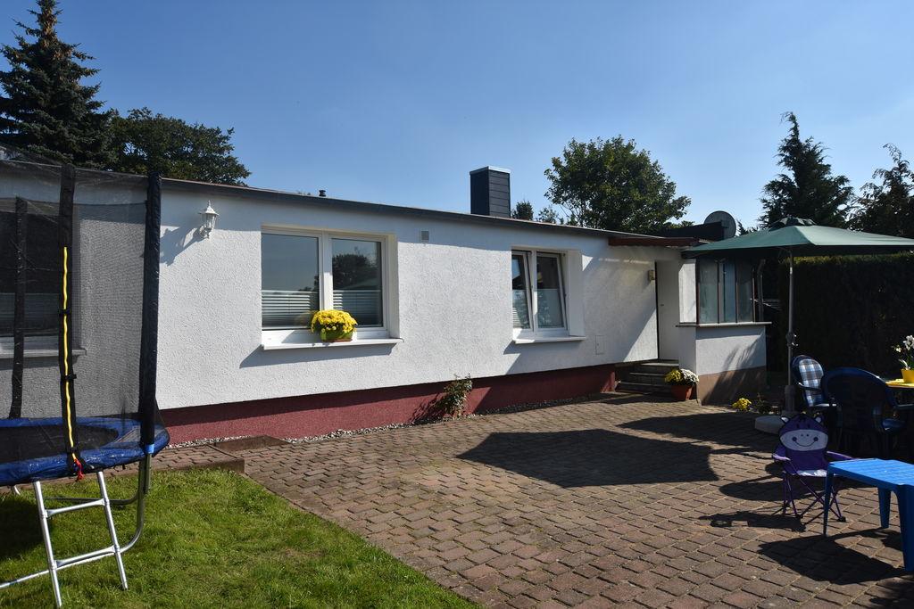 Prachtige bungalow in Kröpelin met tuin - Boerderijvakanties.nl