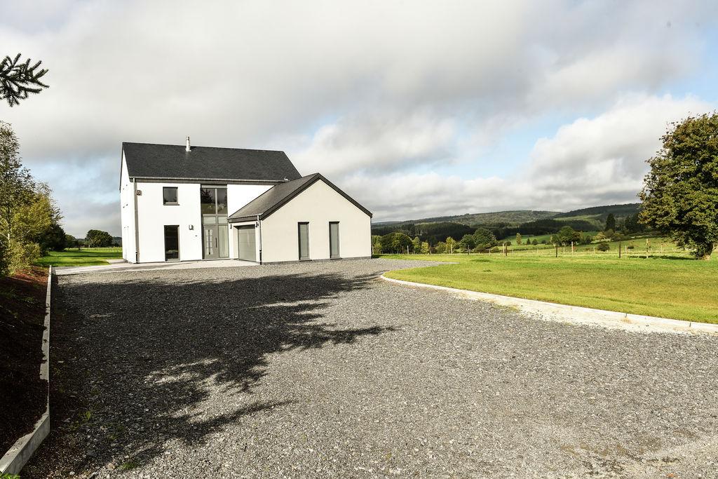 Modern vakantiehuis met open haard in de prachtige Ardennen - Boerderijvakanties.nl