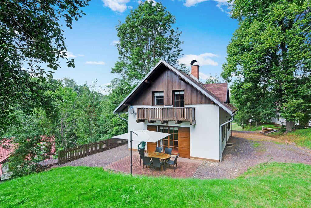 Comfortabel huis met ruime tuin en terras, uitzicht op het Reuzengebergte - Boerderijvakanties.nl