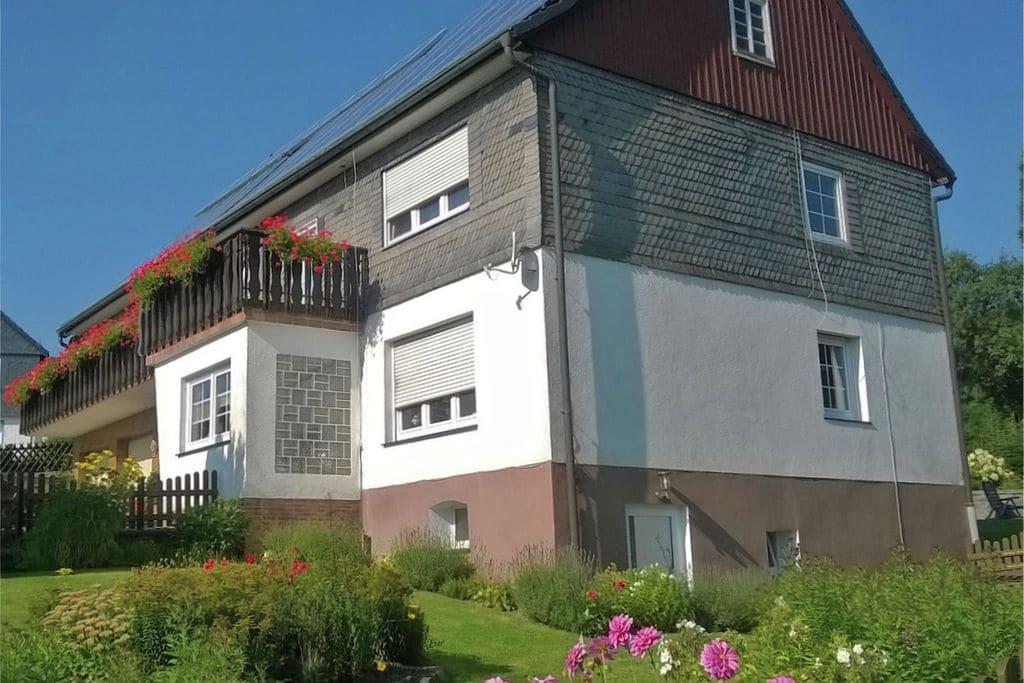 Modern appartement tussen Winterberg en Willingen met balkon - Boerderijvakanties.nl