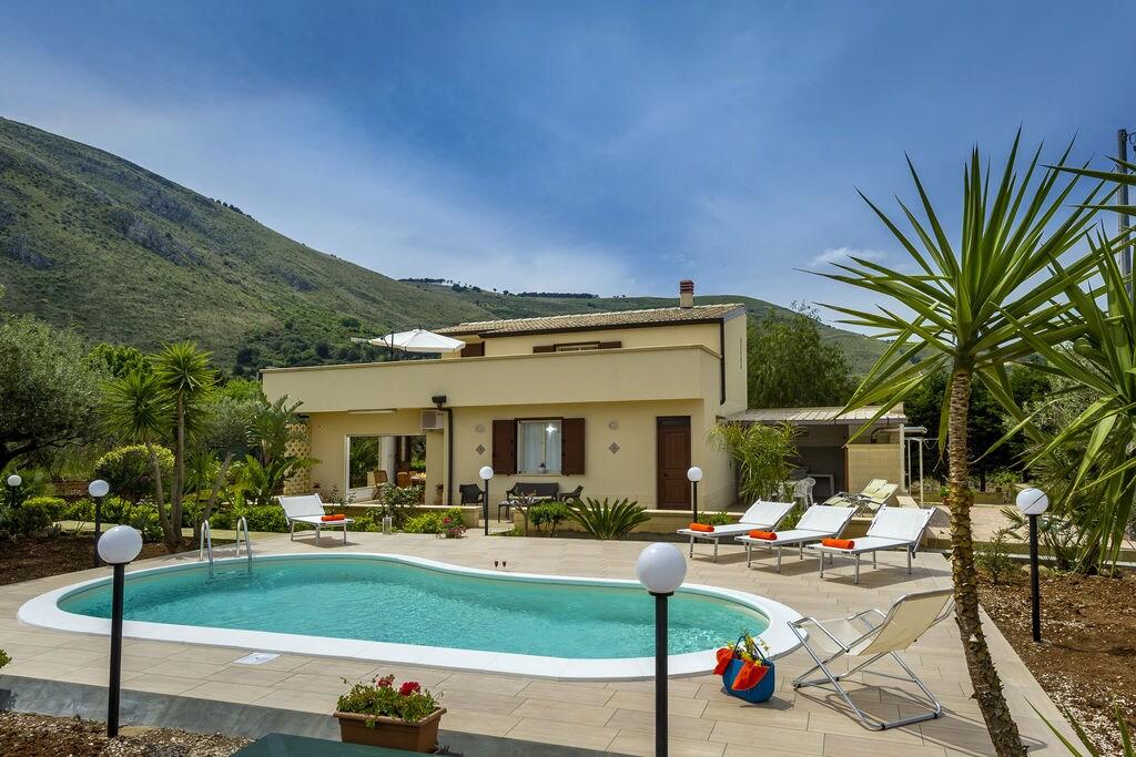 Castellammare-del-Golfo- Villa met zwembad  met wifi te huur