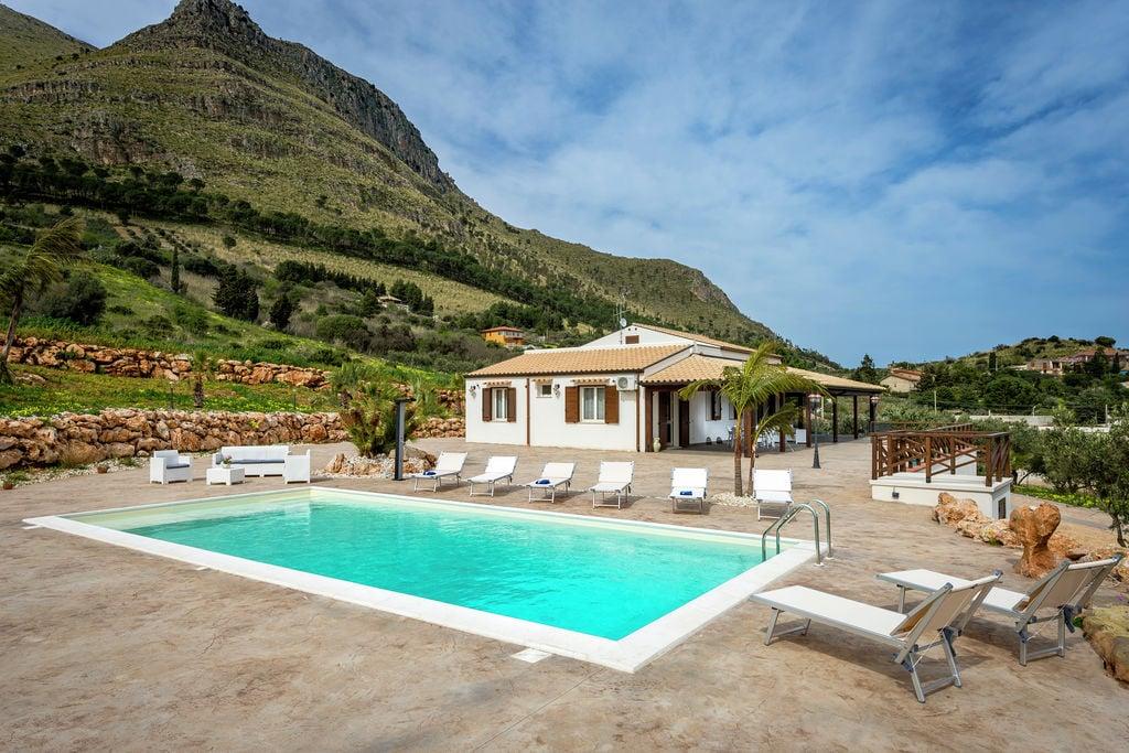 Castellammare-del-Golfo- Vakantiewoning met zwembad  met wifi te huur