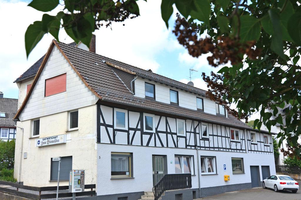 Groepsaccommodatie in het Sauerland dicht bij de Diemelsee met gemeenschappelijke ruimte en bar - Boerderijvakanties.nl