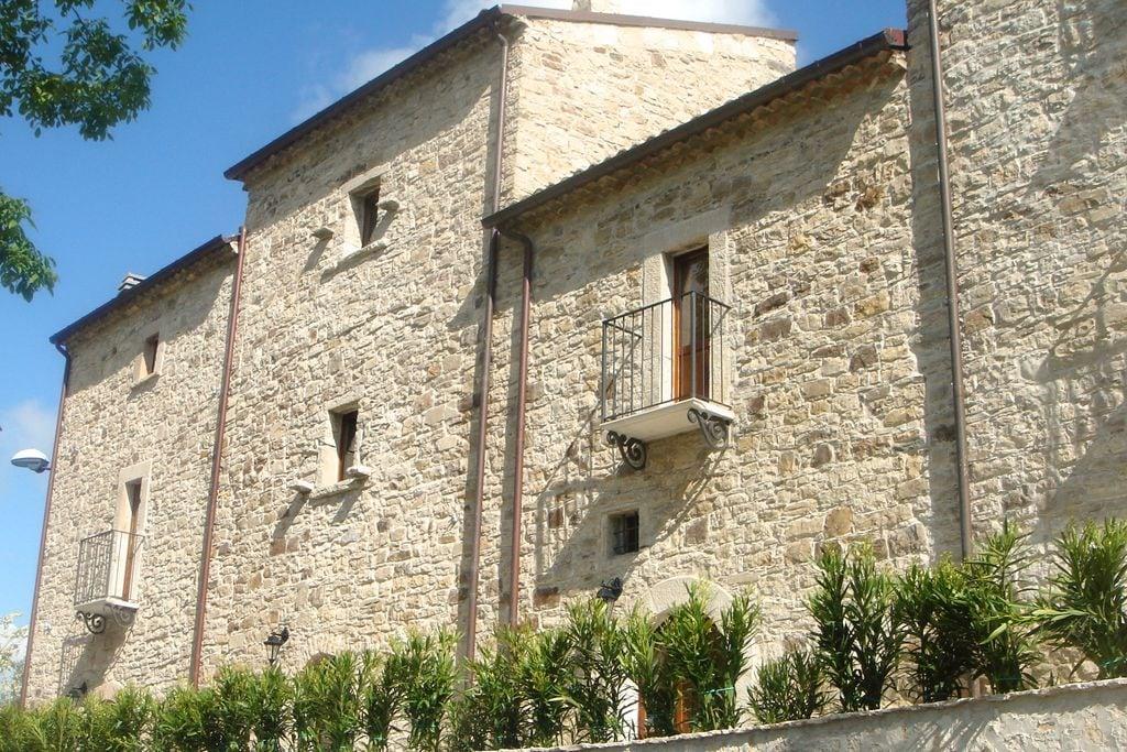 Vakantiewoning huren in Abruzzo - met zwembad  met wifi met zwembad voor 8 personen  Het huis ligt aan het laatste stra..