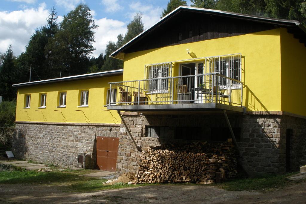 Comfortabel en kindvriendelijk vakantiehuis in Nedvedice met prachtige ligging en dito uitzicht - Boerderijvakanties.nl