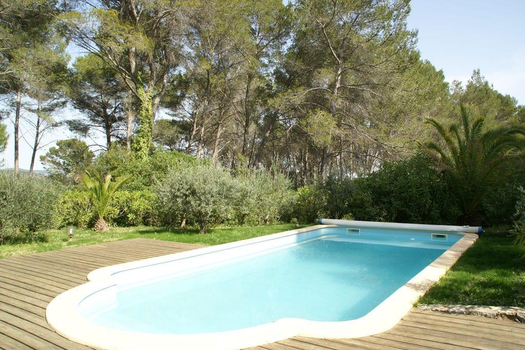 Fijn vakantiehuis in de Var met zwembad, veel privacy en mooie grote tuin! - Boerderijvakanties.nl