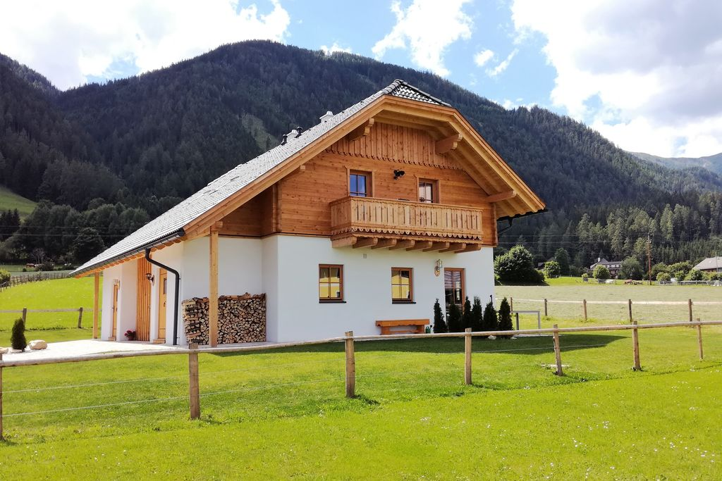 Modern chalet in Mauterndorf, Lungau nabij een skigebied - Boerderijvakanties.nl
