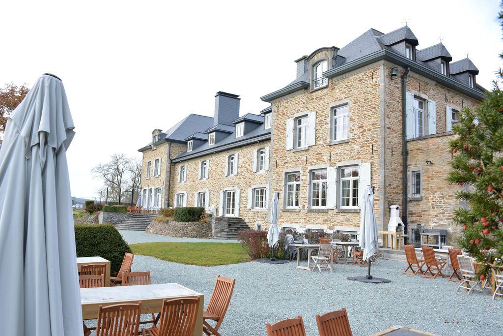 Prachtig buitengewoon kasteel, 19 kamers met eigen badkamer, vergaderzaal, sauna - Boerderijvakanties.nl