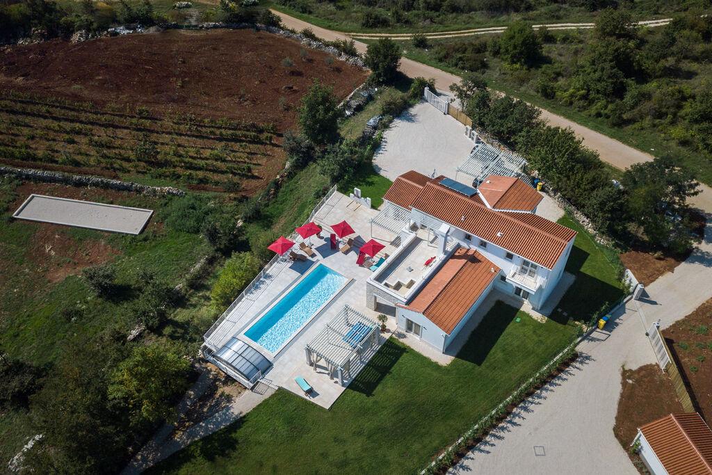 Buitengewone luxe design villa met zwembad, spa en wellness! - Boerderijvakanties.nl