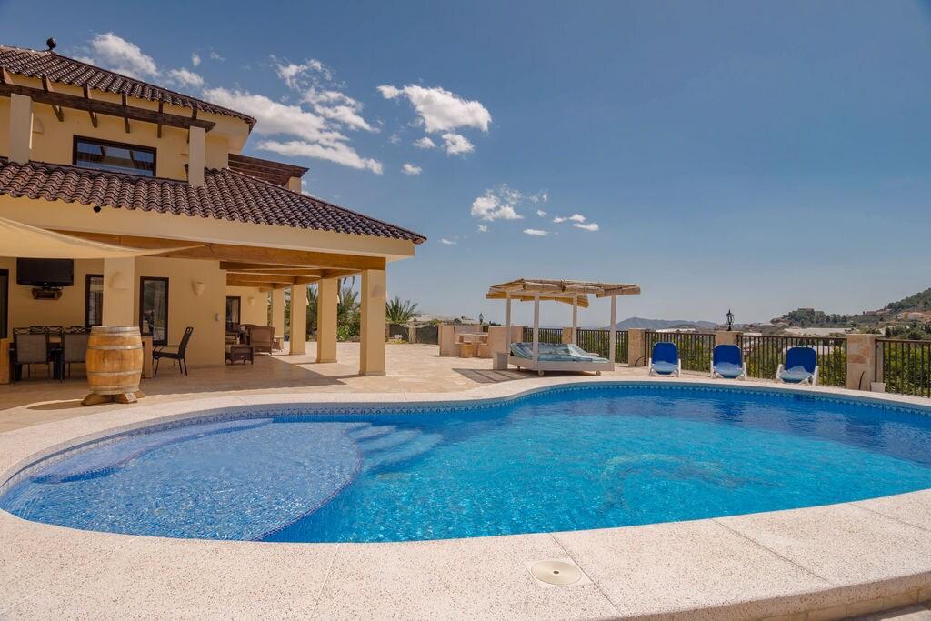 Landelijke villa aan Costa Blanca met privézwembad - Boerderijvakanties.nl