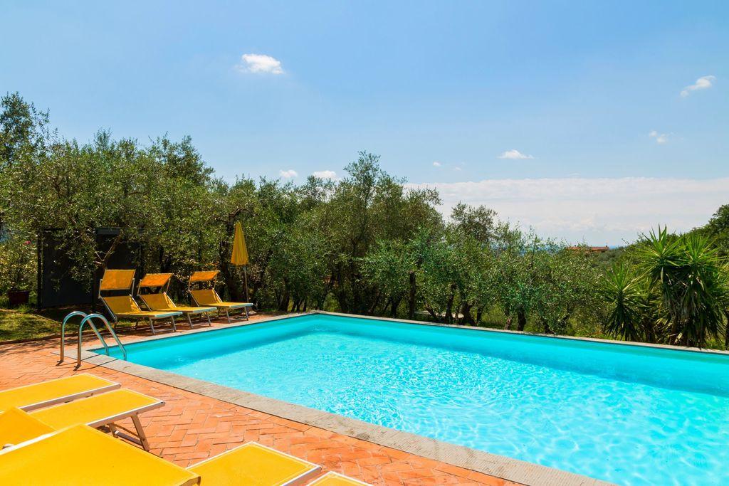 Rustiek appartement in Montecatini Terme met gedeeld zwembad - Boerderijvakanties.nl