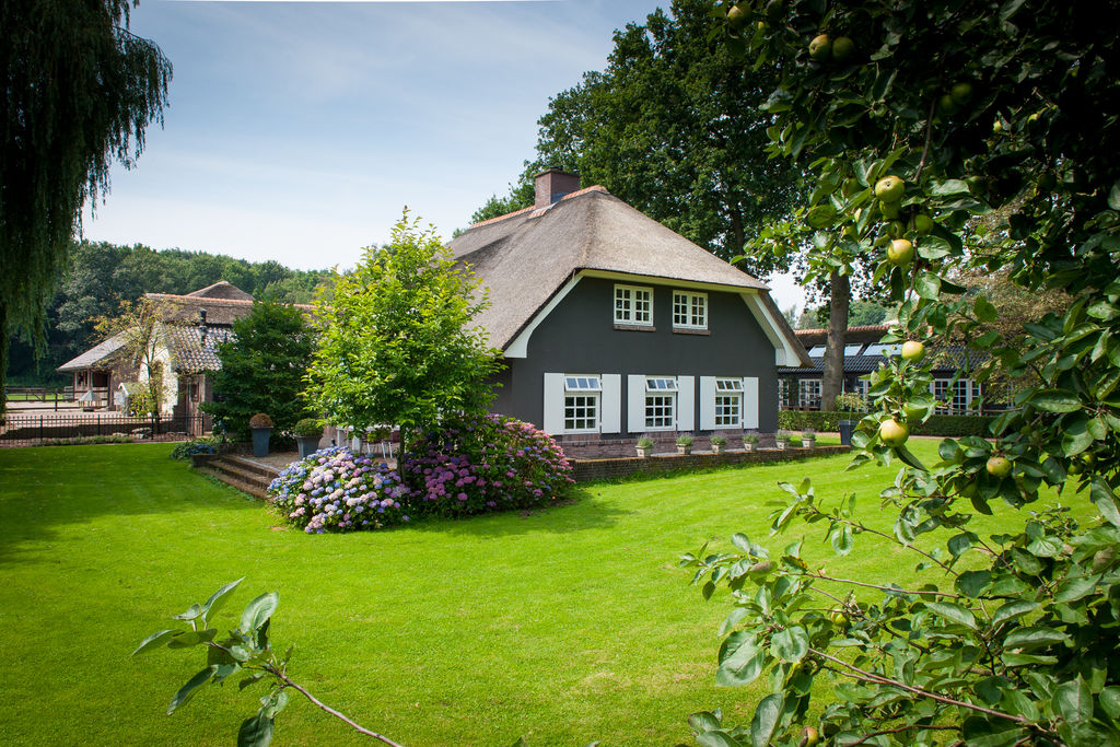 Landelijke villa op een groot landgoed met paardenstallen - Boerderijvakanties.nl
