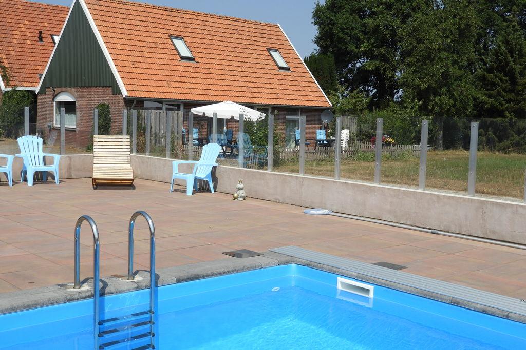 Ruime vakantiewoning met zwembad en vrij uitzicht over de weilanden - Boerderijvakanties.nl