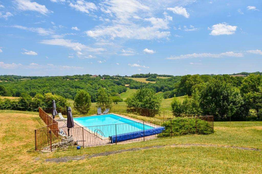 Landhuis met verwarmd privézwembad midden in een natuurpark, prachtig uitzicht! - Boerderijvakanties.nl