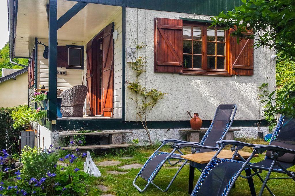 Charmant vakantiehuis in Miremont met een veranda en tuin - Boerderijvakanties.nl