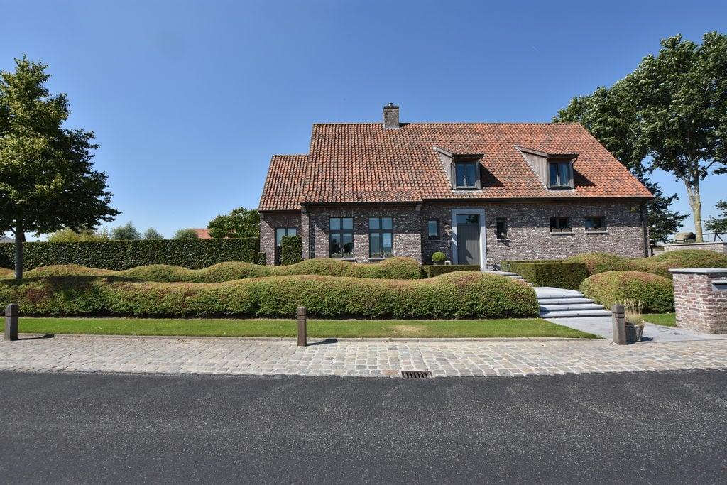Prachtige villa met grote tuin, jaccuzi en zwemvijver. - Boerderijvakanties.nl