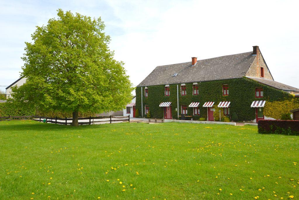 Charmante boerderij in Aublain met een groene, omheinde ruimte - Boerderijvakanties.nl