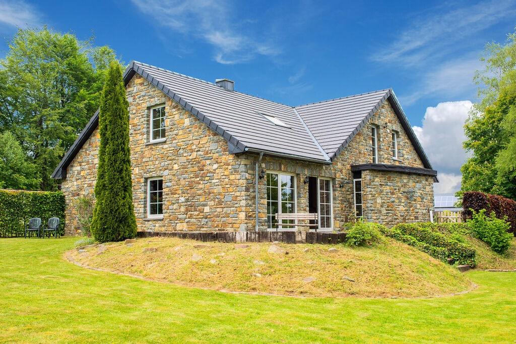 Mooie villa met een prachtige tuin, zeer dicht bij het meer van Robertville - Boerderijvakanties.nl