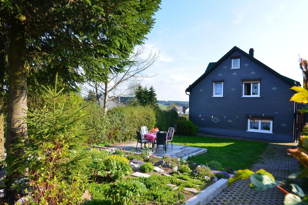 Gelijkvloers appartement in Thüringen met terras en tuin - Boerderijvakanties.nl