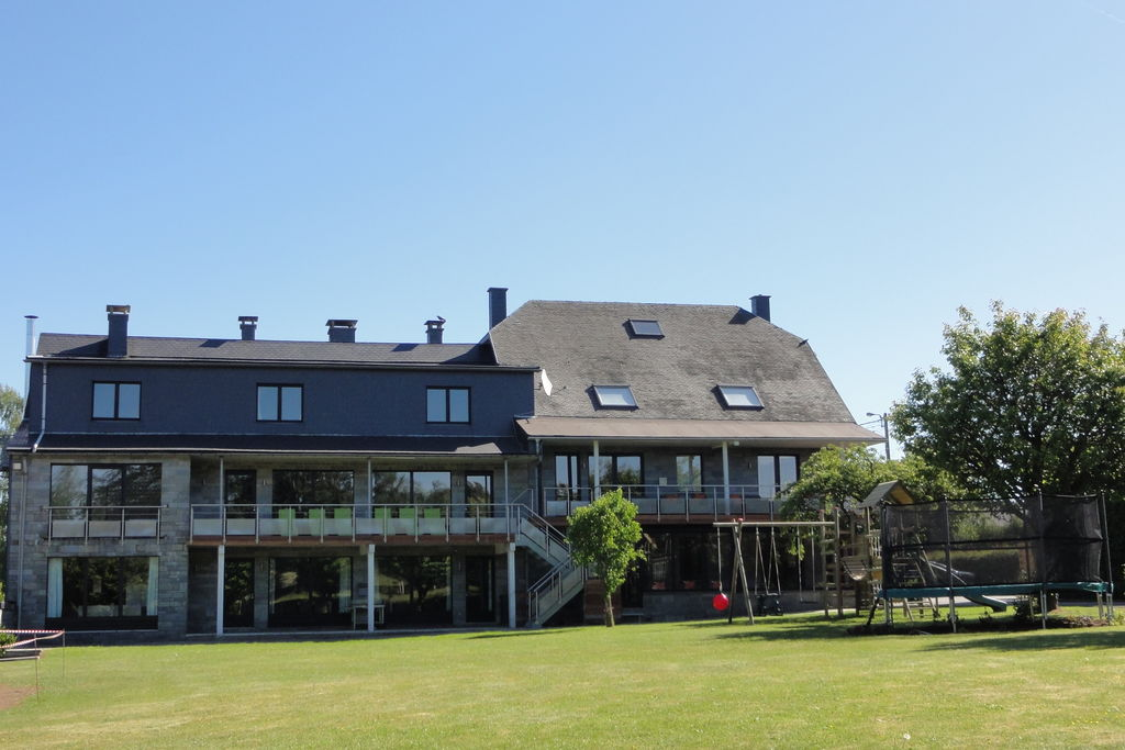 Exclusief vakantiehuis in Robertville met binnenzwembad - Boerderijvakanties.nl