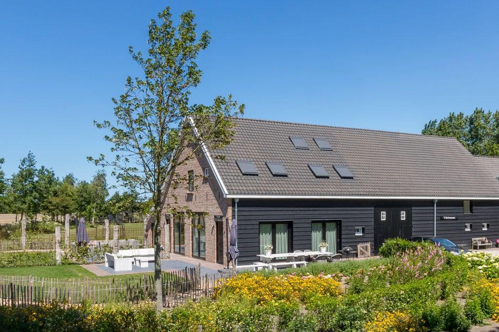 Zeer luxe vakantiewoning in prachtige Zeeuwse stijl, geschikt voor 8 personen - Boerderijvakanties.nl