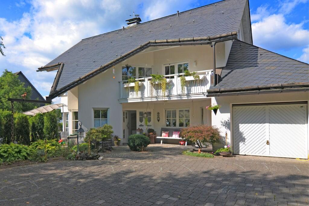 Mooi appartement in Sauerland met een overdekt privéterras - Boerderijvakanties.nl