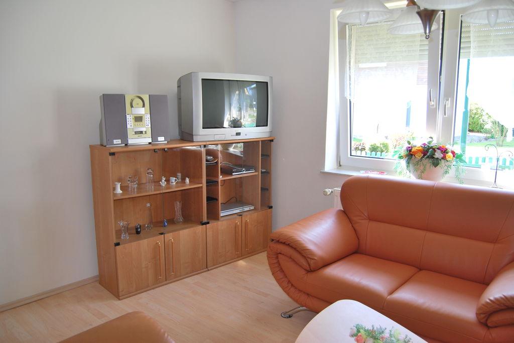 Ruim appartement in Bastorf, Duitsland, met terras - Boerderijvakanties.nl