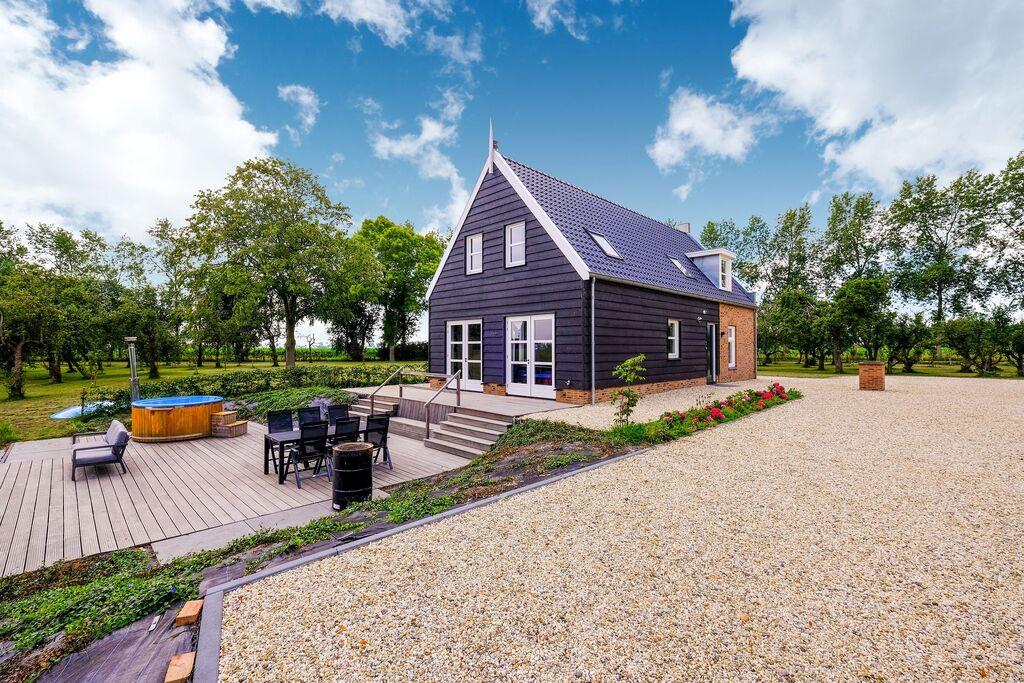 Vrijstaande villa in Zuid-Holland met heerlijke hottub - Boerderijvakanties.nl