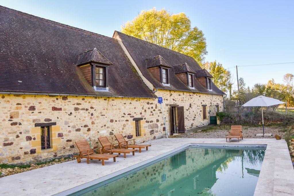 Fraai gerestaureerde villa met privé zwembad, 2 terrassen en geweldig uitzicht. - Boerderijvakanties.nl