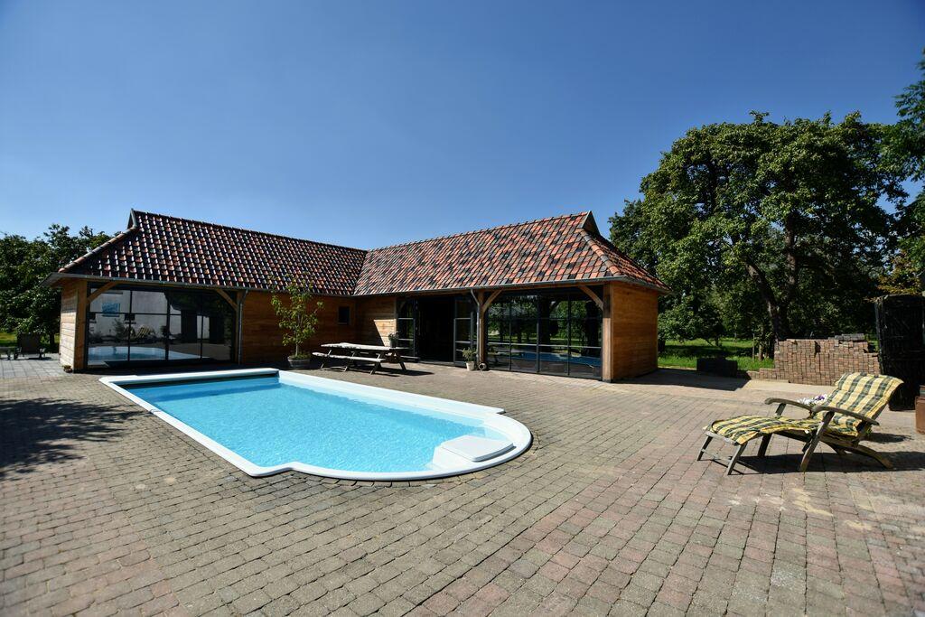 Ruim vakantiehuis in Herveld met jacuzzi - Boerderijvakanties.nl