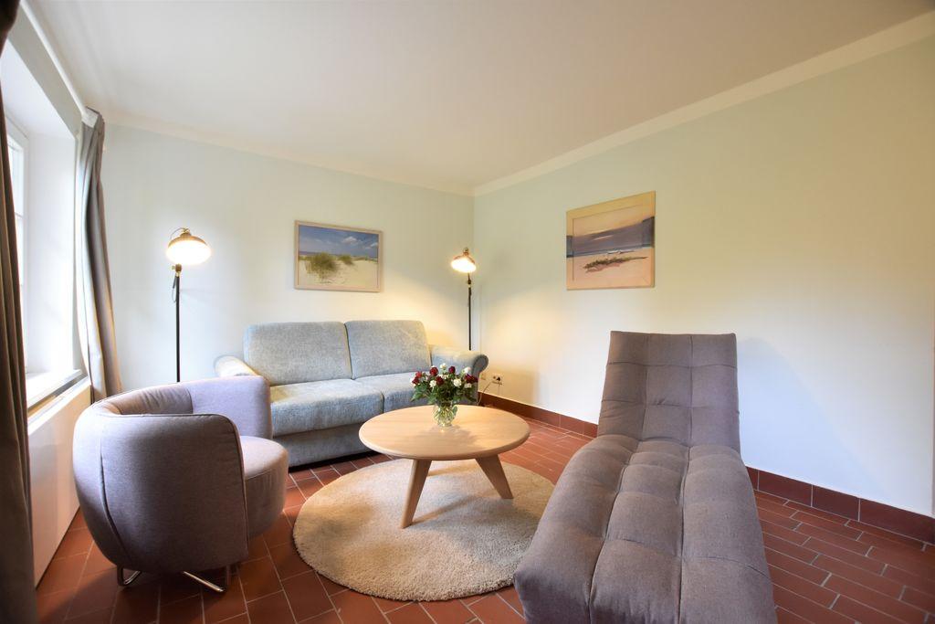 Appartement Gerd in een huisje met rieten dak met buitensauna, tuin, speeltuin - Boerderijvakanties.nl