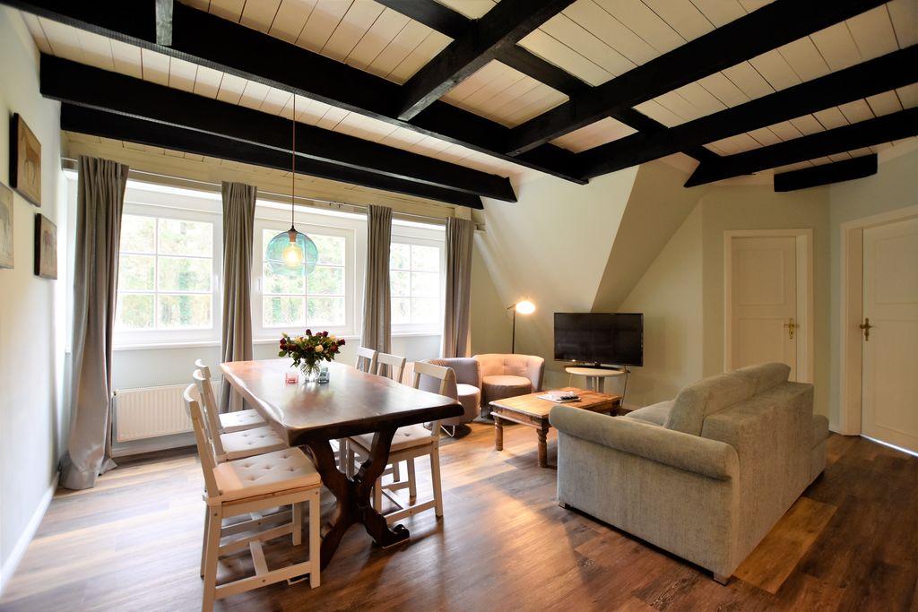 Appartement Johann in rietgedekte cottage met buitensauna, grote tuin, speeltuin - Boerderijvakanties.nl