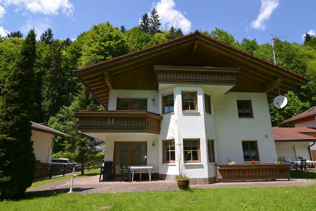 Charmant vakantiehuis in Berchtesgadener met privéterras - Boerderijvakanties.nl