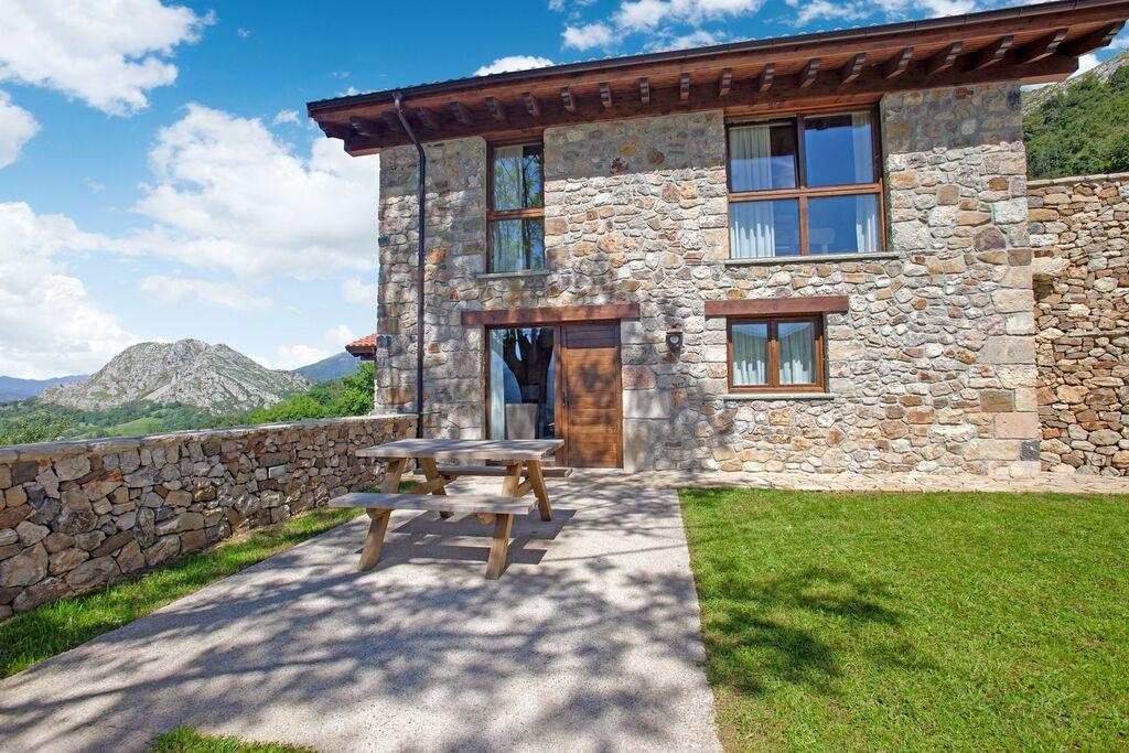 Mooie woning, landelijk gelegen met prachtig uitzicht op de Picos de Europa - Boerderijvakanties.nl