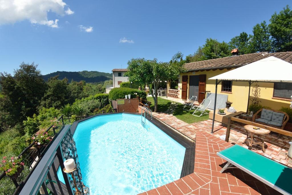 Rustiek vakantiehuis in Pescaglia met een privézwembad - Boerderijvakanties.nl