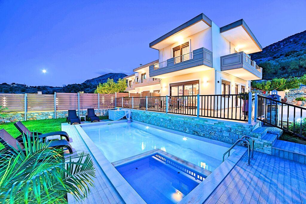 Sunlight Maxima Villas With 2 Swimming Pools