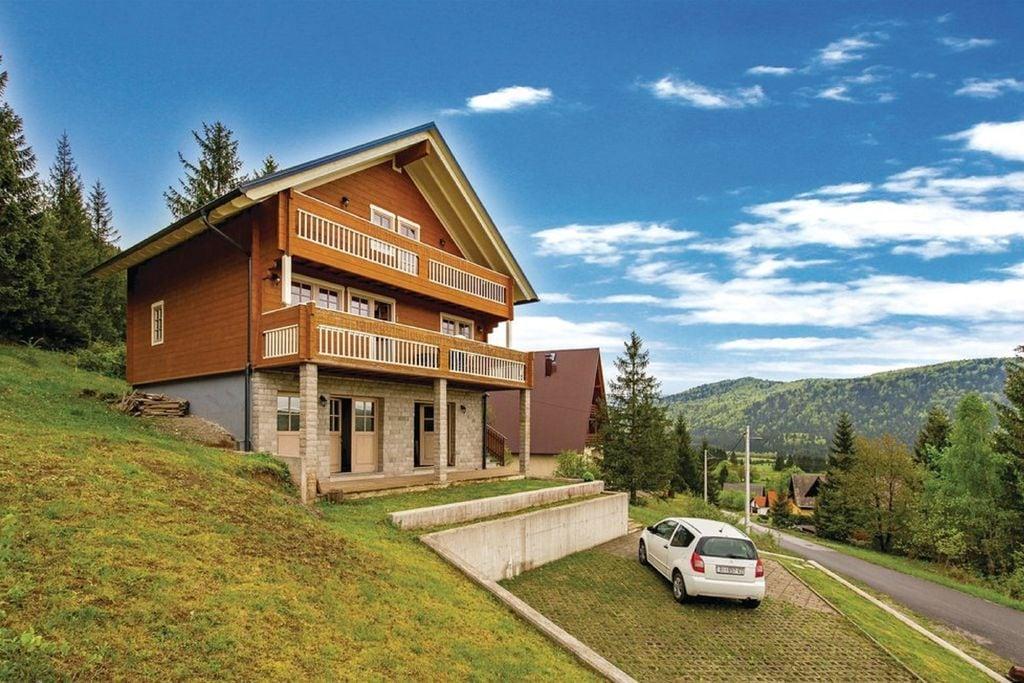 Heerlijk vakantiehuis met 4 slaapkamers met mooi panoramisch uitzicht, taverne met open haard - Boerderijvakanties.nl