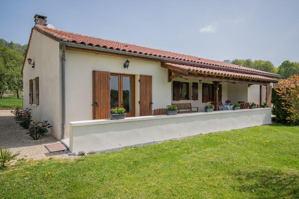 Mooi landhuis in Villefranche-du-Périgord met uitzicht - Boerderijvakanties.nl