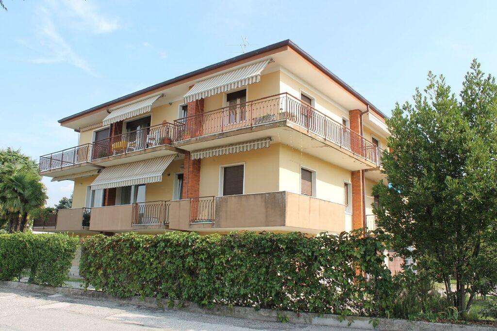 Gemoedelijk appartement in Lazise met balkon - Boerderijvakanties.nl