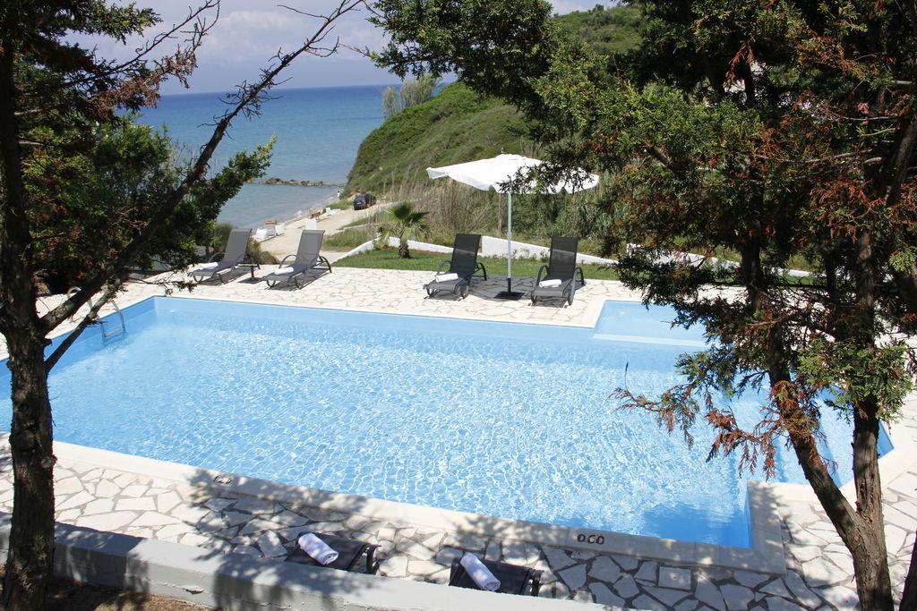 Ruime villa in Corfu aan zee - Boerderijvakanties.nl