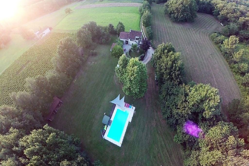 Authentiek landhuis in Puy-L'Evêque met privé zwembad - Boerderijvakanties.nl
