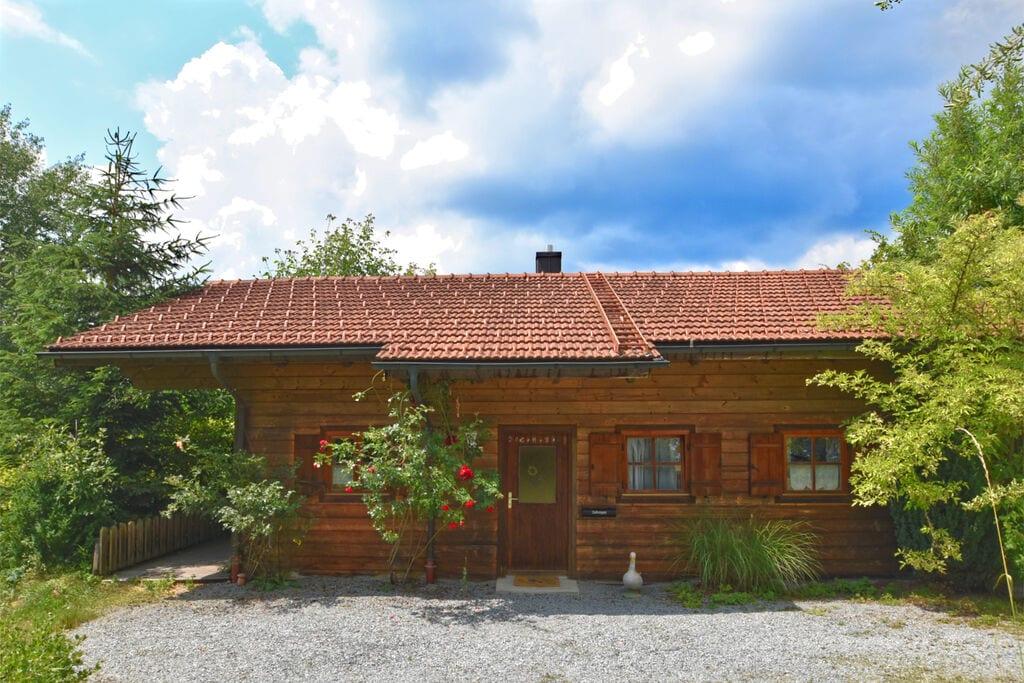 Houten bungalow in Grafenried met tuin - Boerderijvakanties.nl