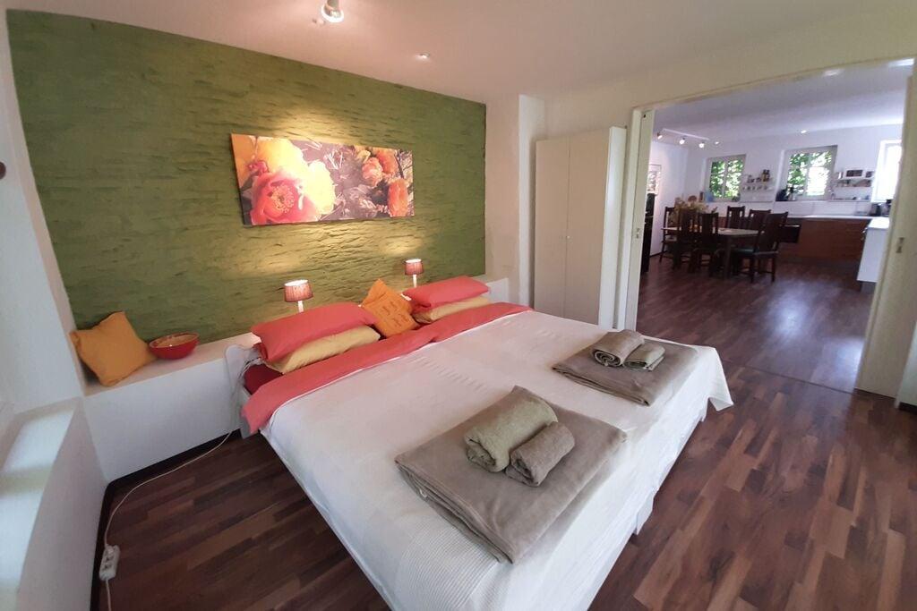 Heerlijk appartement in Roes met een balkon of terras - Boerderijvakanties.nl