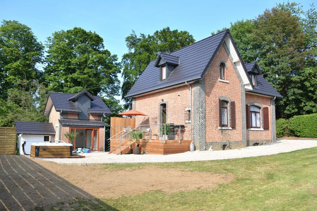 Tussen het centrum van Spa en het bos, luxe huis, met jacuzzi en sauna - Boerderijvakanties.nl
